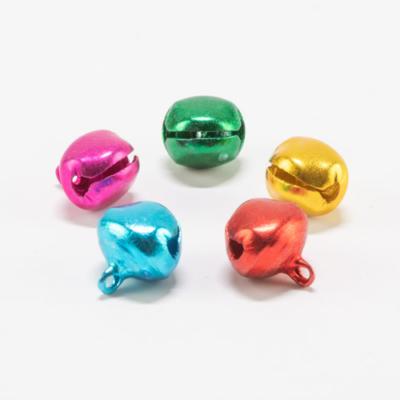 Csengettyű kerek füles 14 mm matt vegyes színek 5 db