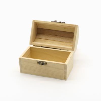 Íves fa láda 15,5×12×12 cm