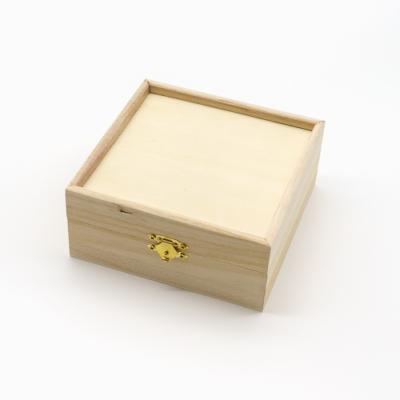 Peremes fa doboz 6×14×14 cm
