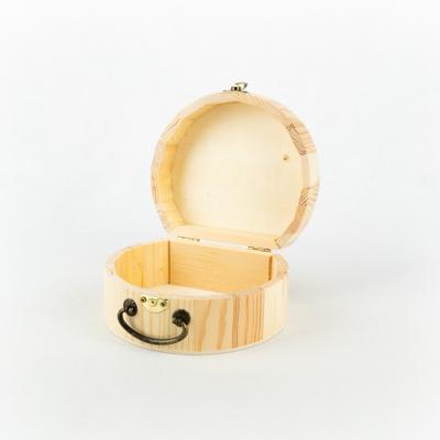 Fa fedeles doboz félköríves fogantyúval 13,5×12×6,5 cm