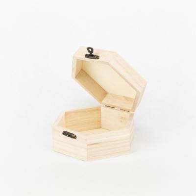 Fa fedeles doboz hatszögletű 13×6 cm