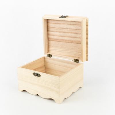 Fa fedeles doboz míves 17×14,5×10,5 cm