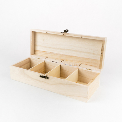 Fa fedeles doboz négy rekeszes 25×9,5×6,7 cm