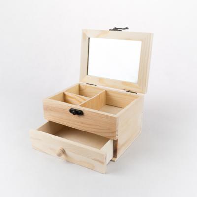 Fa tükrös doboz rekeszes fiókkal 16×12×9,5 cm