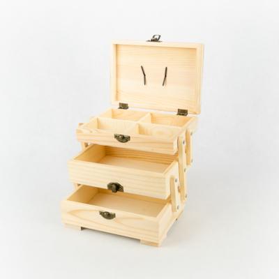 Fa doboz szétnyitható három szintes 17×12×12 cm