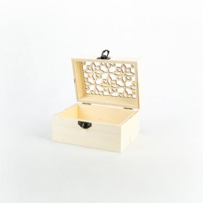 """Fa fedeles doboz áttört tetővel 14×10×7 cm """"Marokkó"""""""