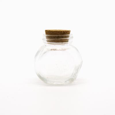 Üveg parafadugóval