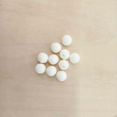 Préselt papírgolyó fehér 15 mm 10 db