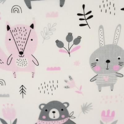 Pamutvászon erdei állatok szürke rózsaszín színekben fehér alapon gyerekmintás